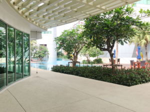 millennium-residence-bangkok-gym--pool-view